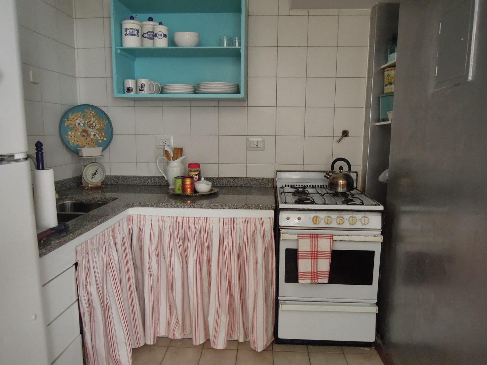 Problema 3 las alacenas de abajo - Que cortinas poner en la cocina ...