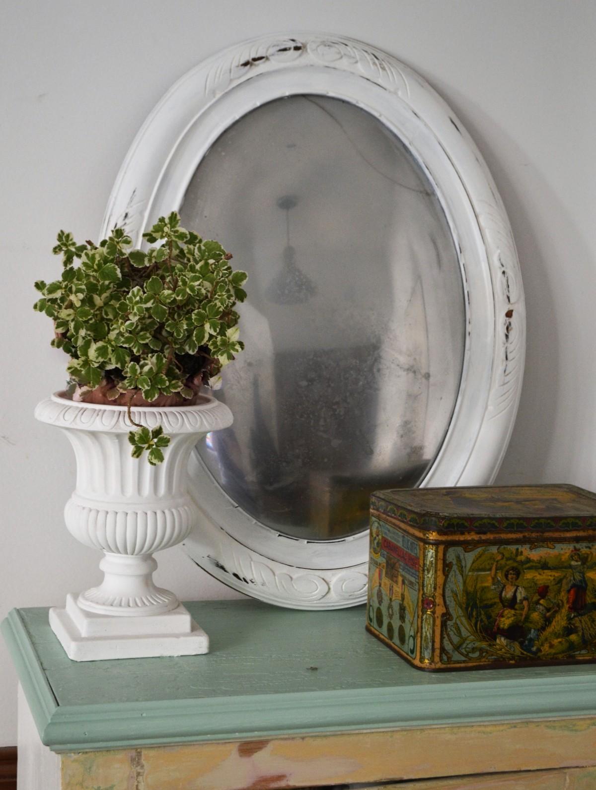Vintage fake mirror idea