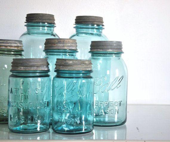 33d579c4d35955bfaf9d0d6d2776e14d--vintage-mason-jars-blue-mason-jars