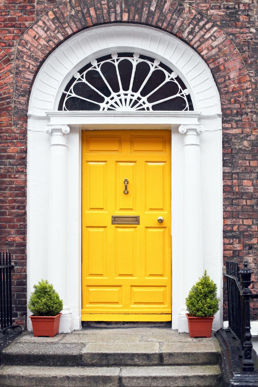 1516890939-yellow-front-door