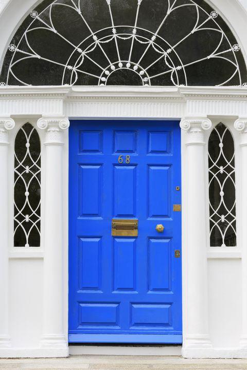 1516892314-blue-front-door