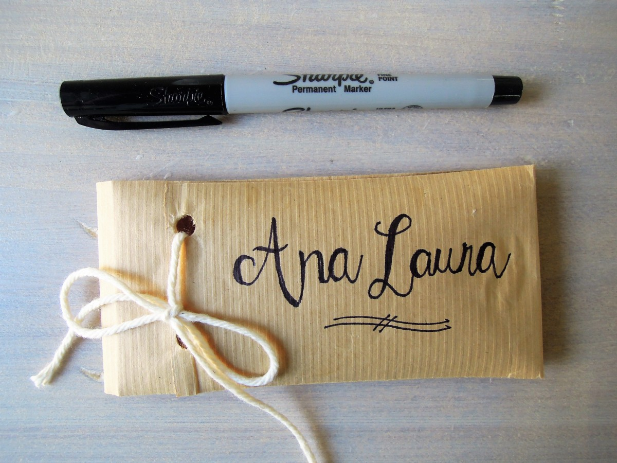 Lettering idea napking holder