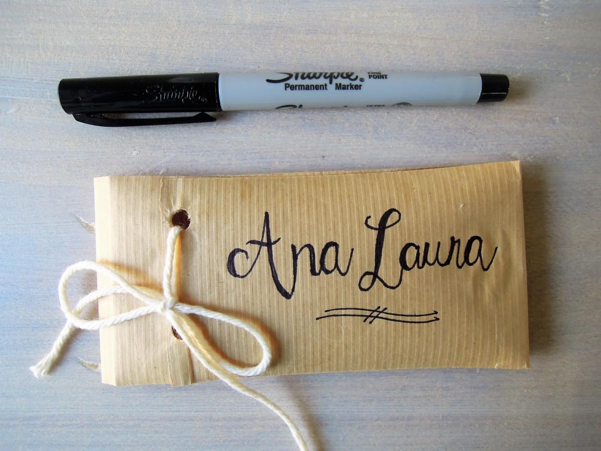 Lettering idea napking holder