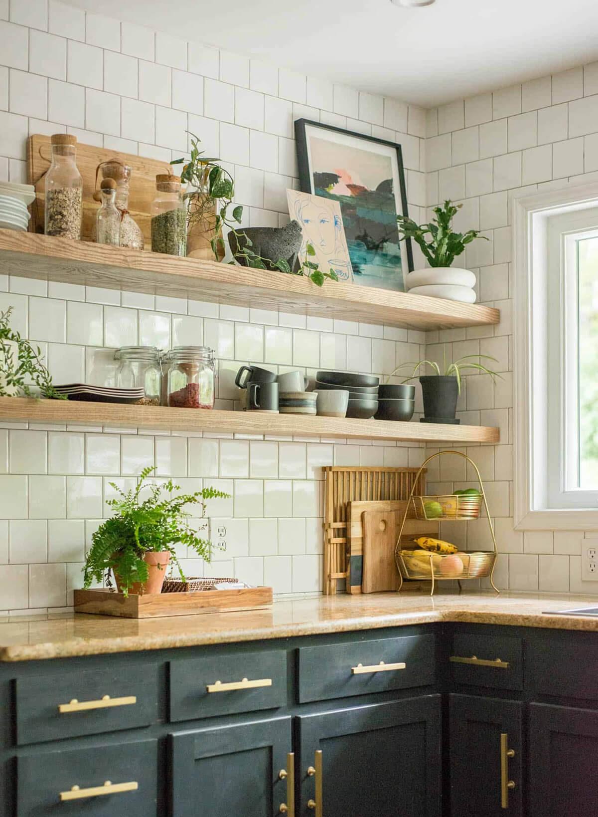 01-open-kitchen-shelf-ideas-homebnc