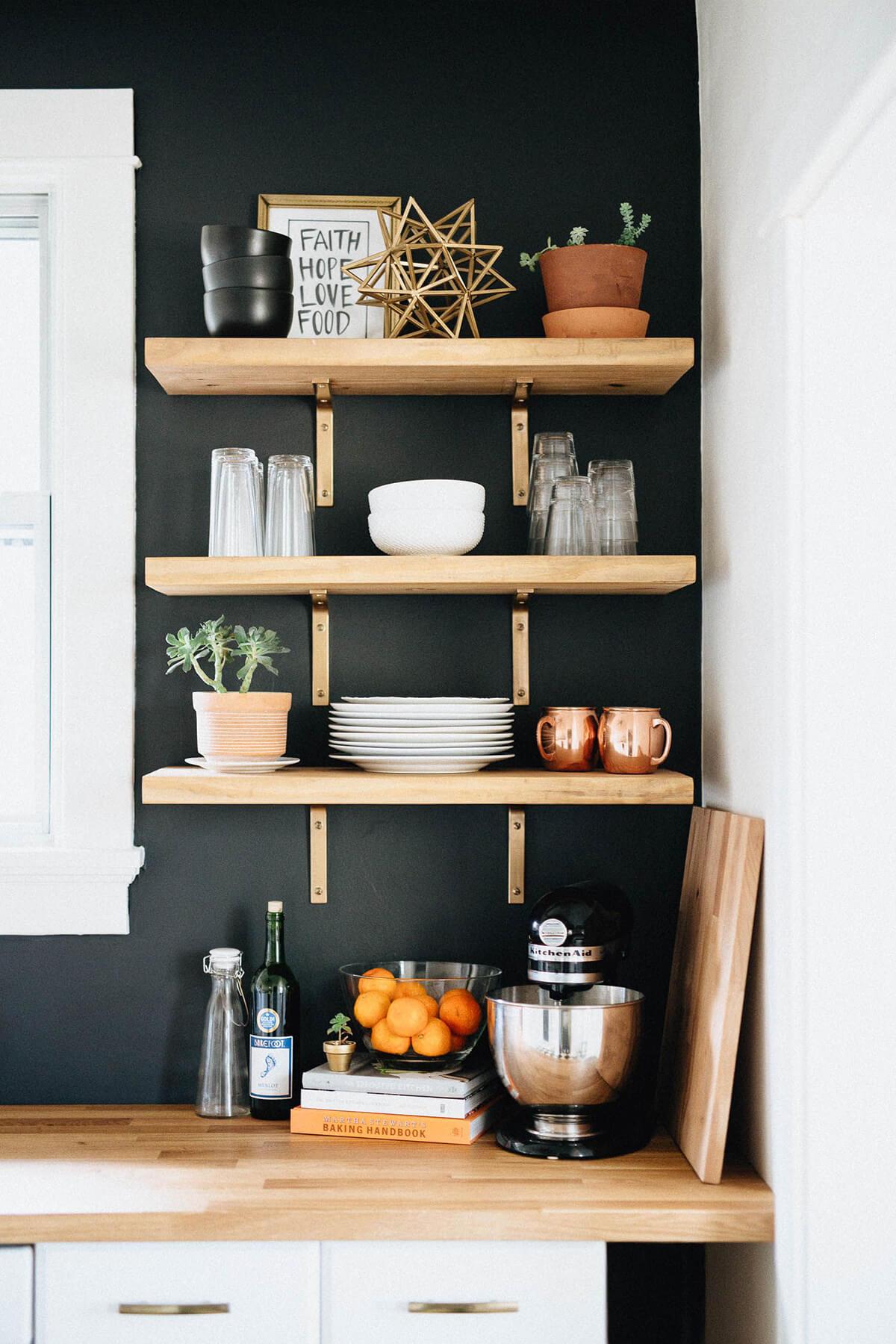 03-open-kitchen-shelf-ideas-homebnc