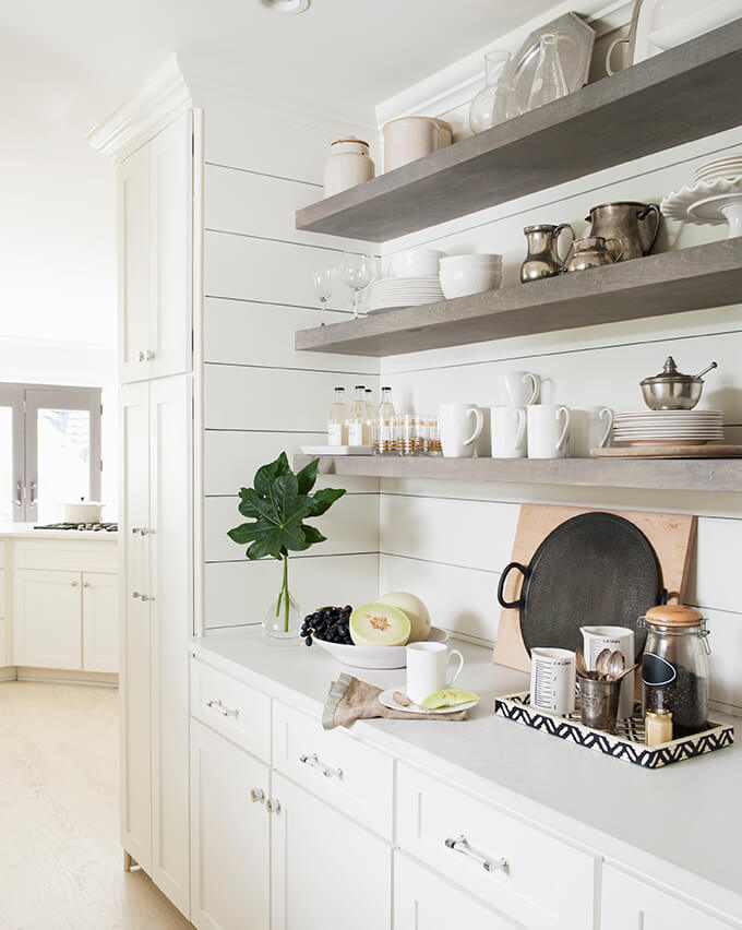 12-open-kitchen-shelf-ideas-homebnc