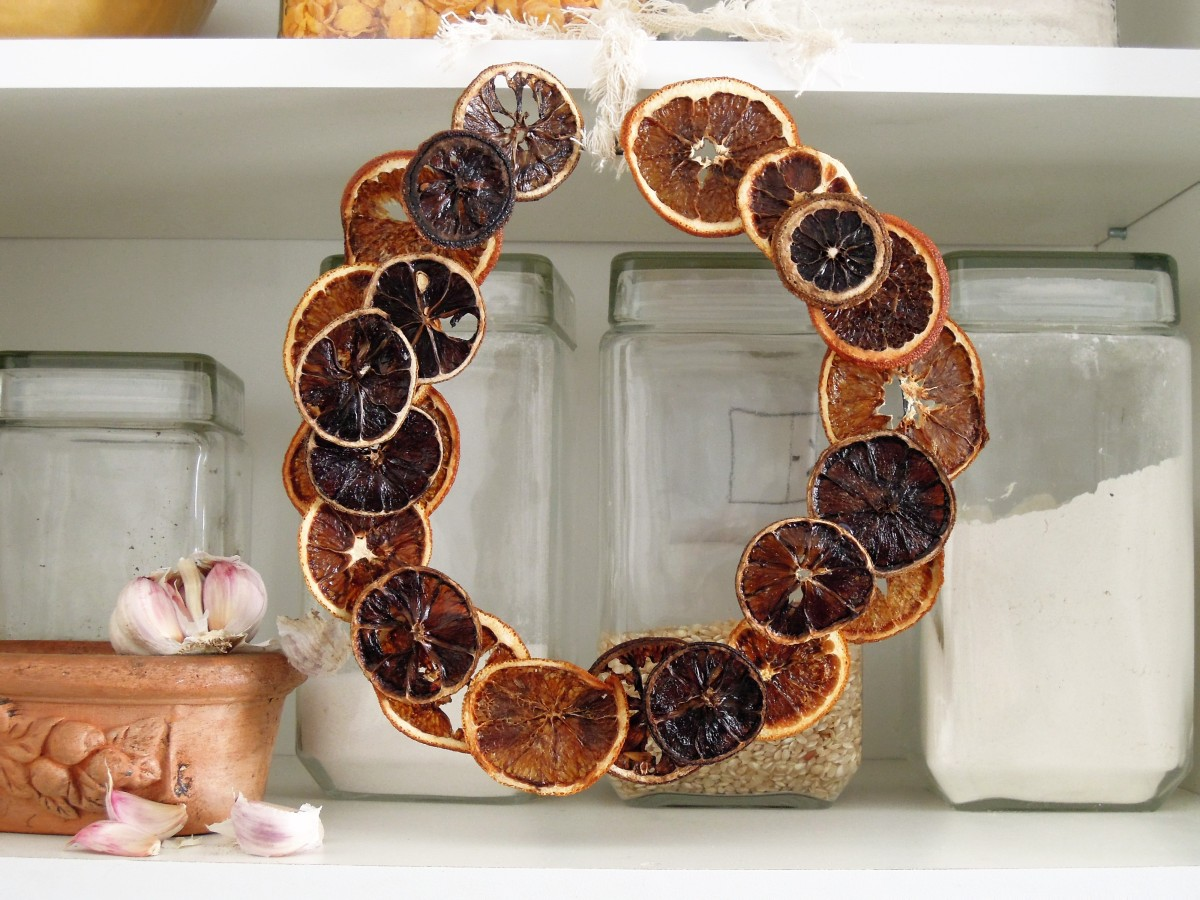 idea, diy, handmade wreath oranges